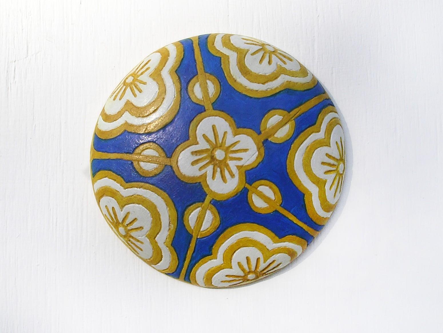 Jackie McNamee, Floral Rondel 2, Ash wood relief, 12 x 12 x 3cm, 2015